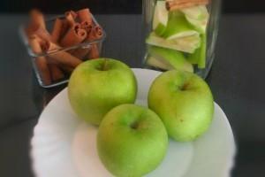 Elma Tarçın İçeceği
