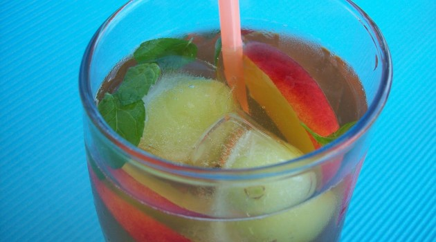 Şeftalili Soğuk Çay Yapımı