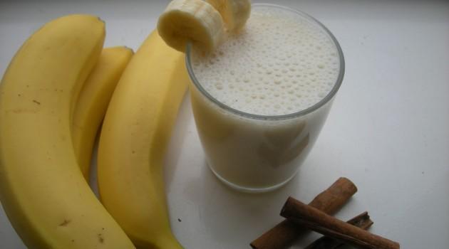 Lezzetli Muzlu Soğuk Süt İle Serinleyin