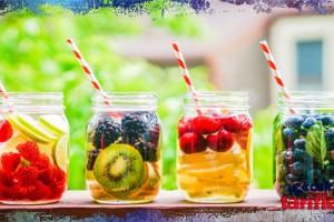 Meyveli Detoks Suyu