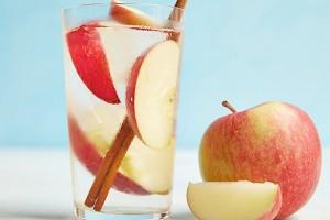 Yapımı Kolay Tarçınlı Elma Suyu Tarifi