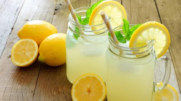 Bir Limon ve Portakaldan Limonata Nasıl Hazırlanır?